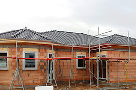 Neubau eines Steildachs in Zernsdorf - ABD Bedachungen untersützt in Berlin und Brandenburg