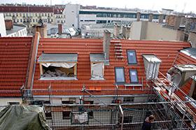 Dachgeschossausbauten Dachklempnerarbeiten Dachdeckerarbeiten Ihr Partner rund um das Dach: ABD Bedachungen Berlin